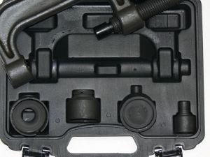 Přípravek pro montáž a demontáž kulových čepů Mercedes s-5jpp