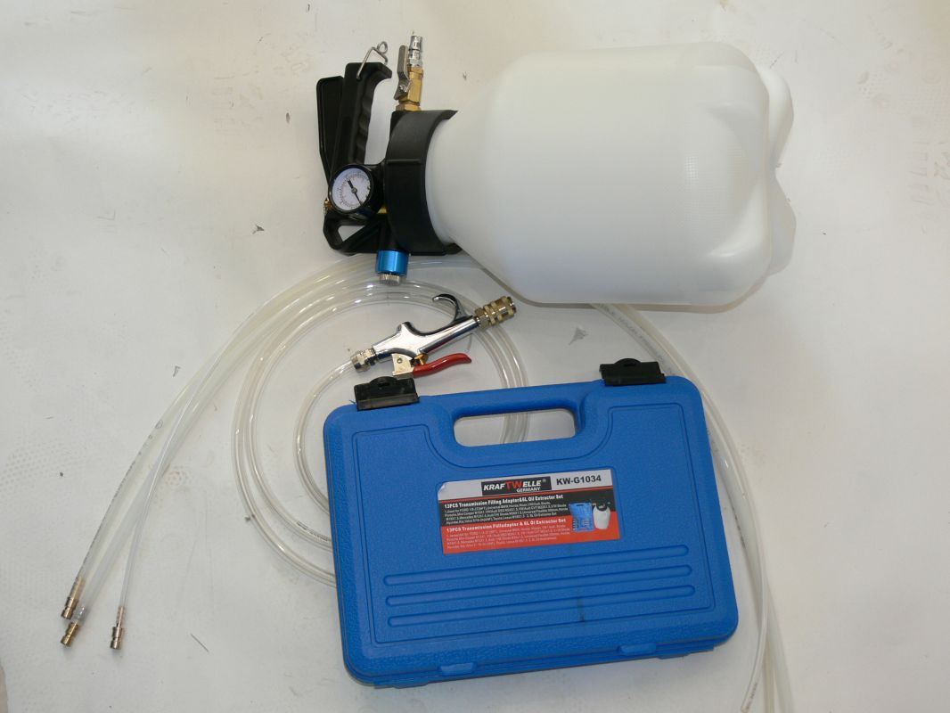 Vákuová pumpa malá odsávačka oleje brzdové kapaliny.. KW G1034