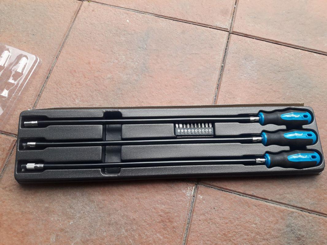 Šroubováky elastické ohebné extra dlouhé 60cm DRŽENÍ -1/4 OŘECH -MAGNETICKÉA - NA KULIČKU KRAFTWELLE
